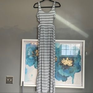 💕Gray and white maxi dress side cut outs medium
